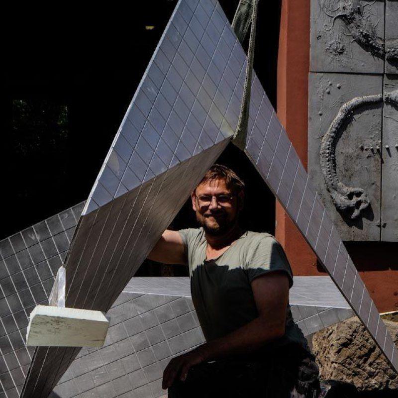 Aluminiumskulptur vom Künstler Jan Grossmann aus gelaserten Aluminiumblech2